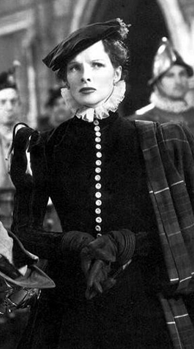 Kadr zfilmu Mary of Scotlad zodtwórczynia głównej roli, Katharine Hepburn. ©Wikimedia Commons.