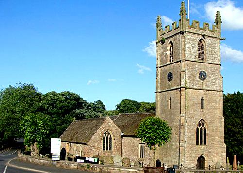 3. Kościół św.Cadoca wRaglan – prawdopodobne miejsce pochówku Katarzyny Plantagenet. ©Wikimedia Commons, Ruth Sharville.