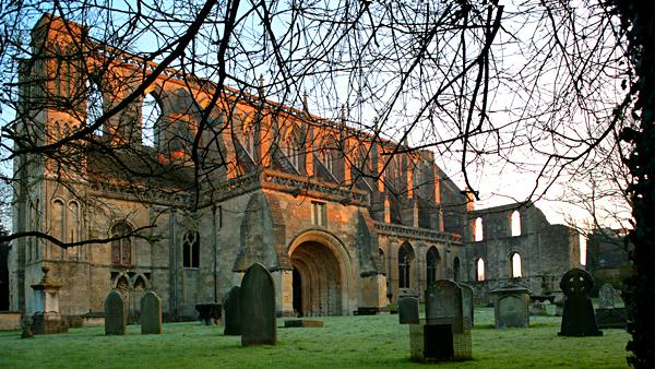 Pozostałości klasztoru Malmesbury wWiltshire. ©Shutterstock.com, urbanbuzz.