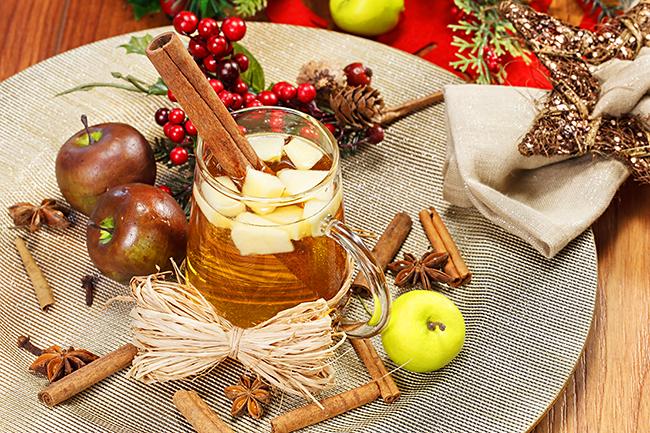 Świąteczny cydr zjabłkami. ©Shutterstock.com, Slavica Stajic.