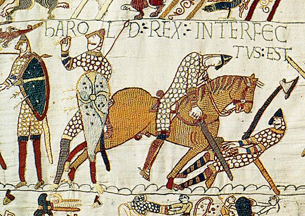 Bitwa podHastings – zabicie króla Harolda (kobierzec zbayeux). ©Wikimedia Commons.