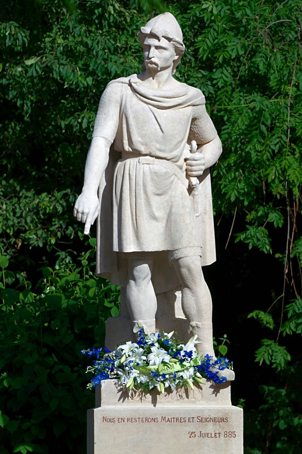 Statua przedstawiająca wikinga Rollona. ©Wikimedia Commons, Frederic BISSON.